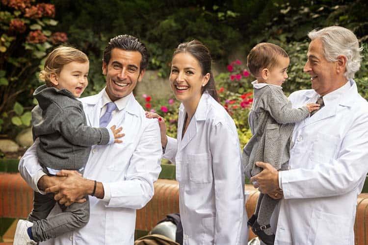 retrato medicos familia xavi moya anfruns