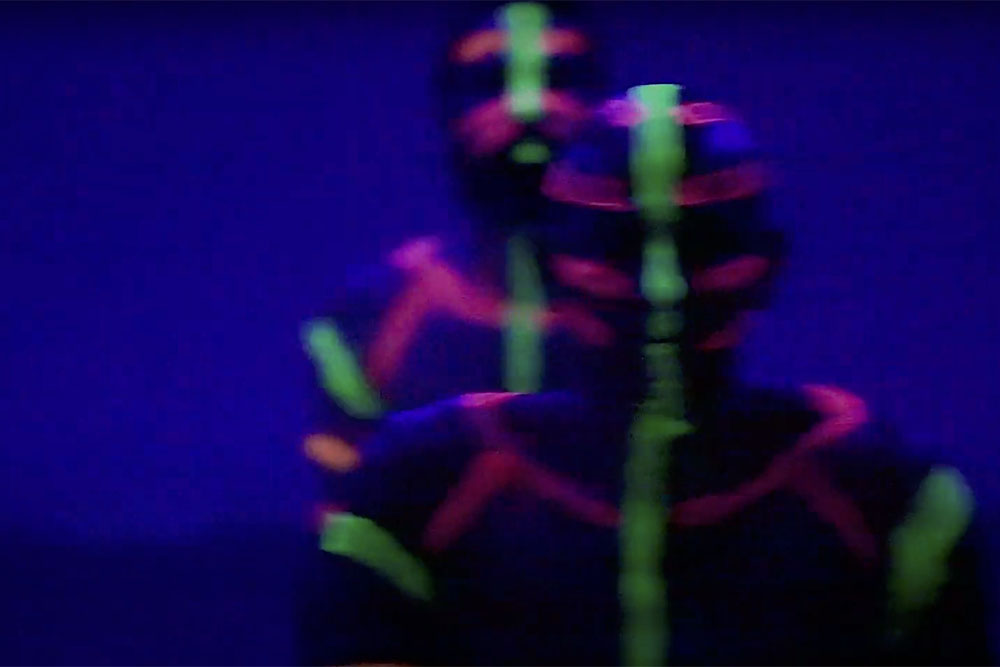 xavi moya foto video yoga ultravioleta copia